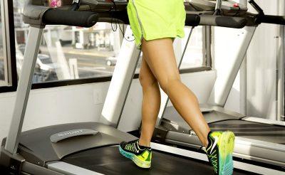 Máy chạy bộ và cách giảm mỡ đùi hiệu quả