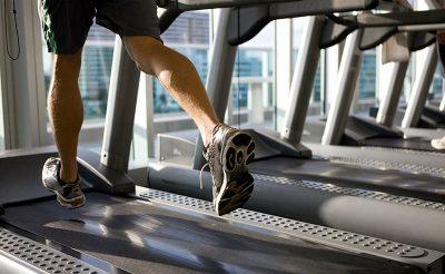 Bí quyết tập cơ chân với máy chạy bộ hiệu quả