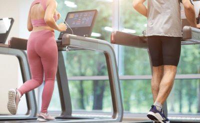 Tập luyện trên máy chạy bộ có bị to chân không?
