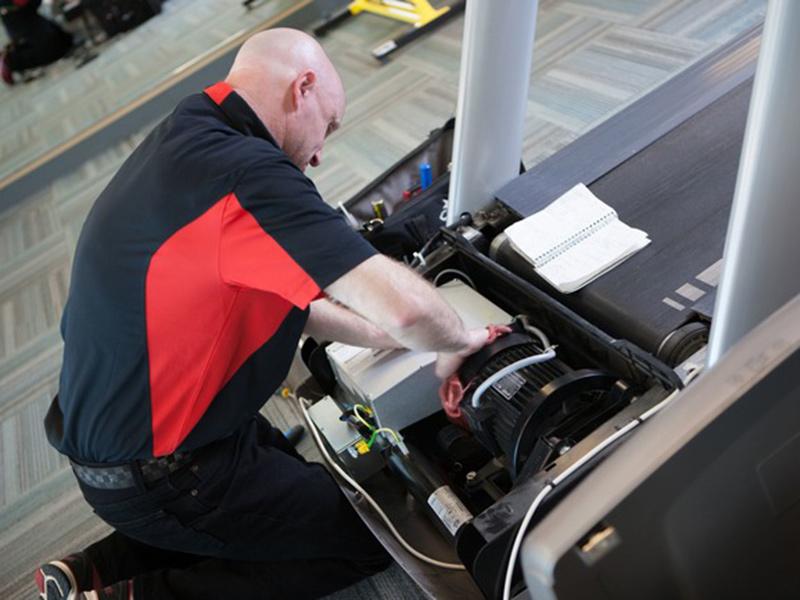 Cần vệ sinh motor định kỳ trong công tác bảo dưỡng định kỳ máy chạy bộ gia đình
